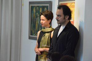 Foto des vortragenden Künstlers und von Frau Dr. Paul